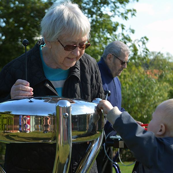 Elder Care Centre Invite Music and Children Into Their Garden